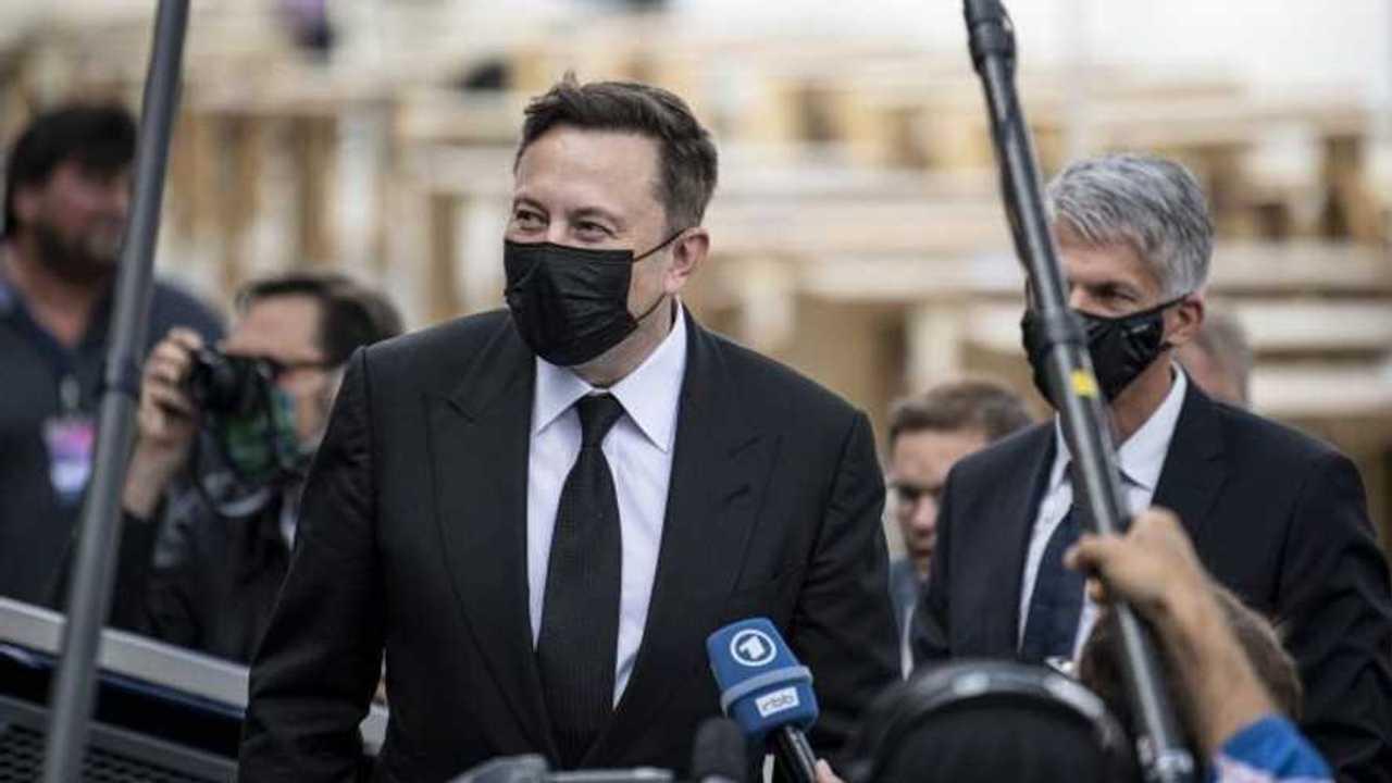 Elon Musk in visita in Germania tra Gigafactory Berlino e CureVac