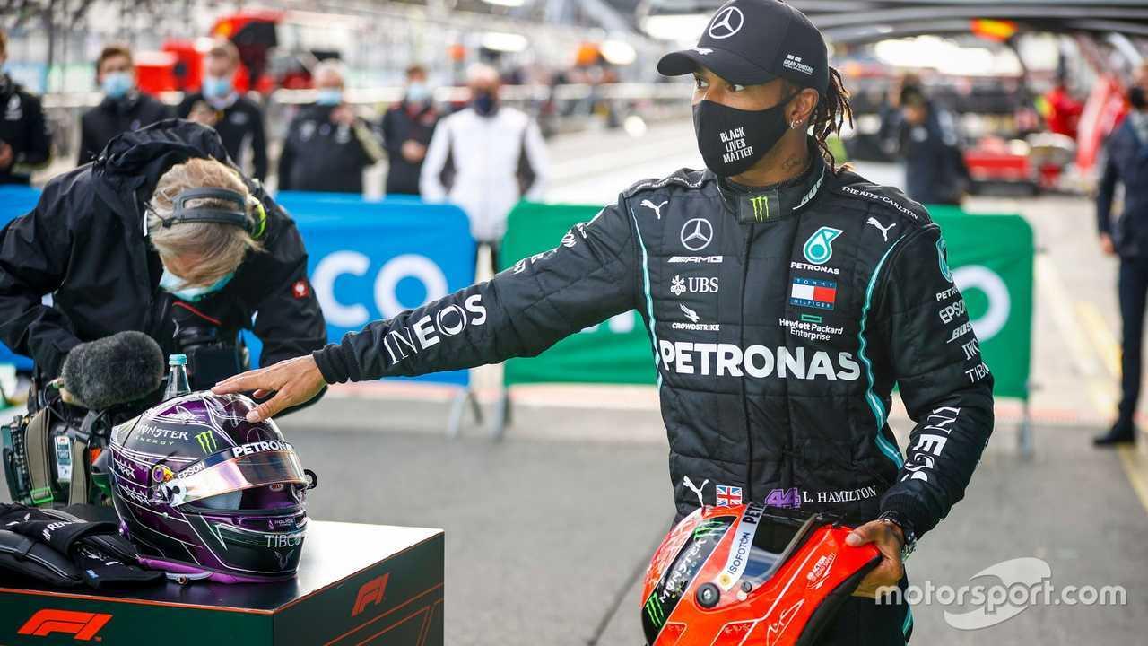 Lewis Hamilton with the helmet of Michael Schumacher at Eifel GP 2020