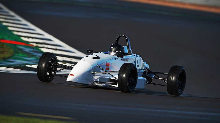 Crowdfunding campaign for double amputee UK racer nears target