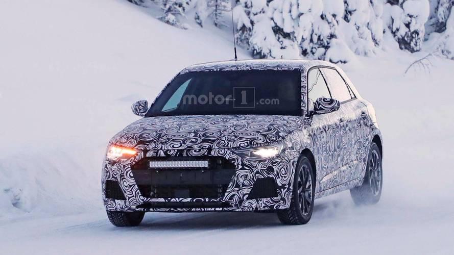 2019 Audi A1 üretim gövdesi ile karda görüntülendi