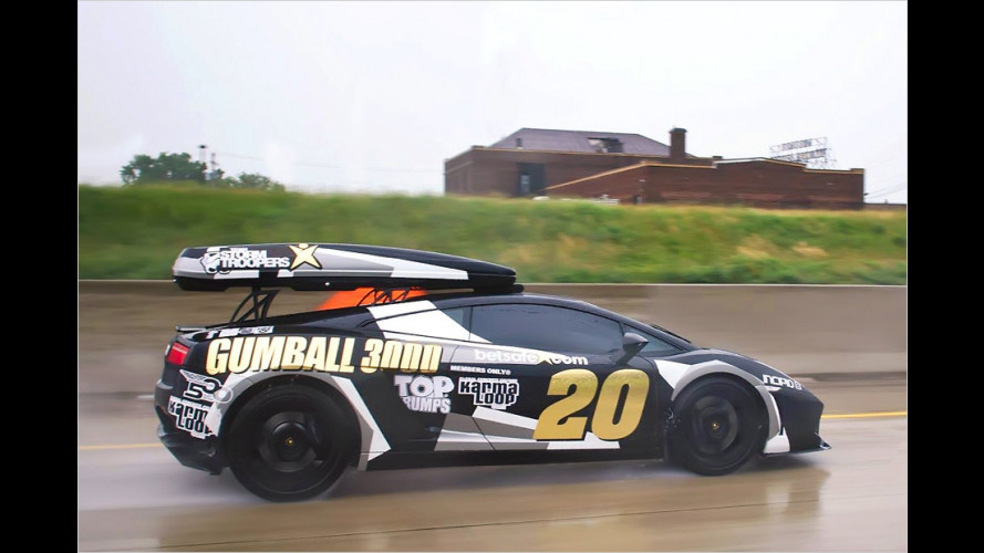 Lambo mit Dachbox beim Gumball 3000