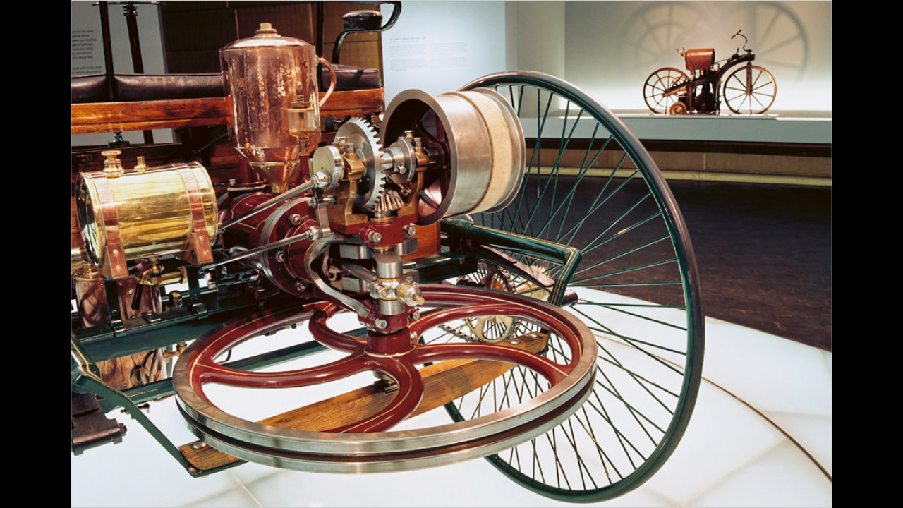 Benz Patent-Motorwagen und Daimler-Reitwagen