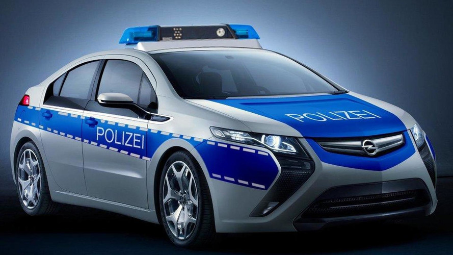 Opel Ampera readies for duty in police blue