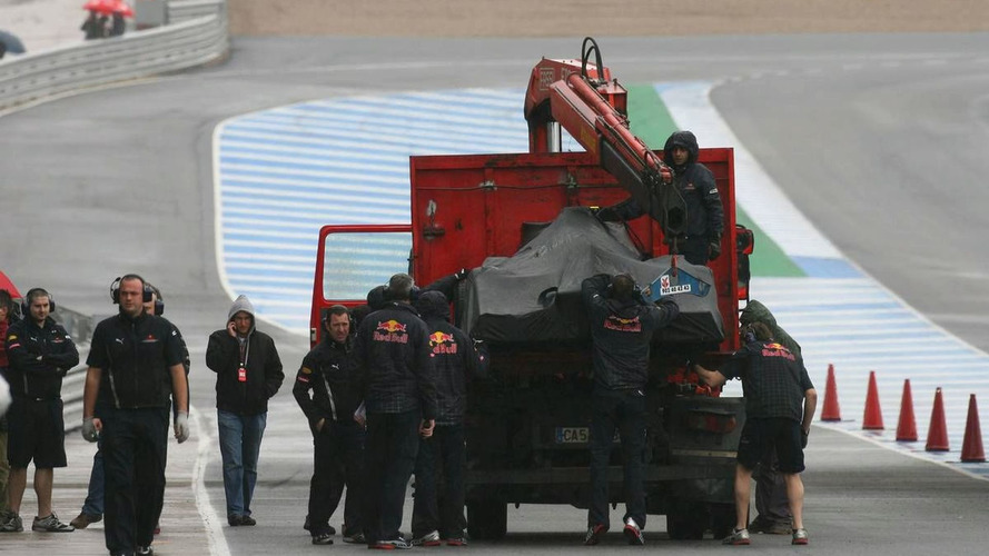 New Red Bull breaks down on Jerez debut