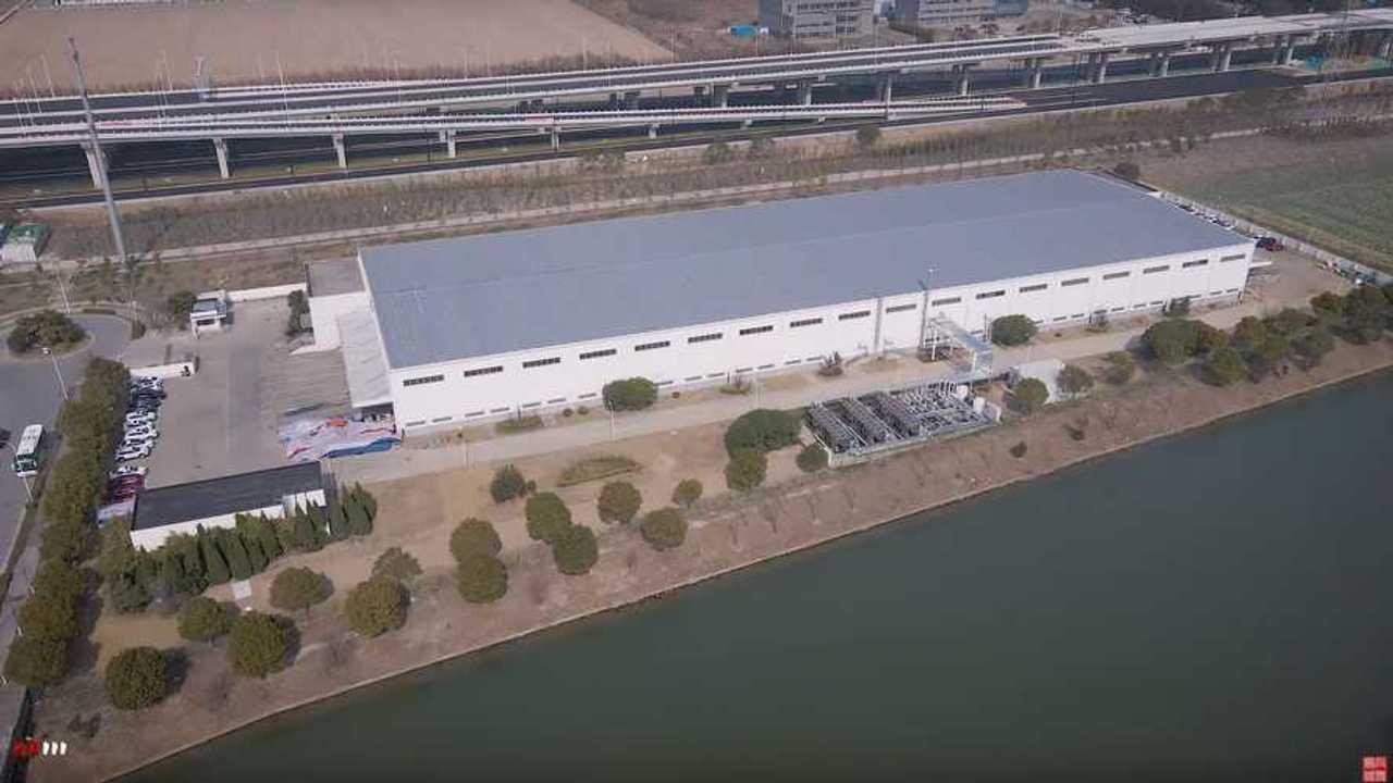 Tesla's Shanghai Supercharger plant (source: WU WA)