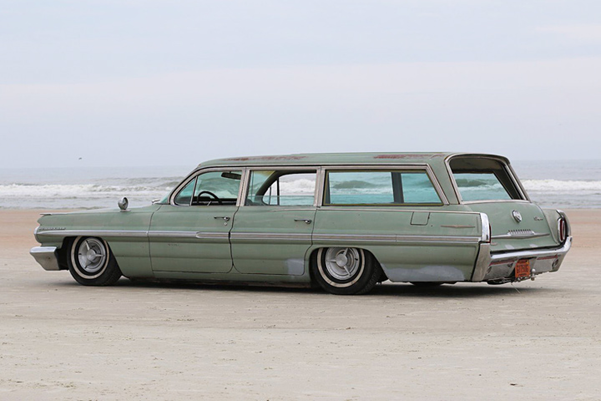 This 62 Pontiac Surf Wagon Is Vintage Cool To The Max 1960 Bonneville Station