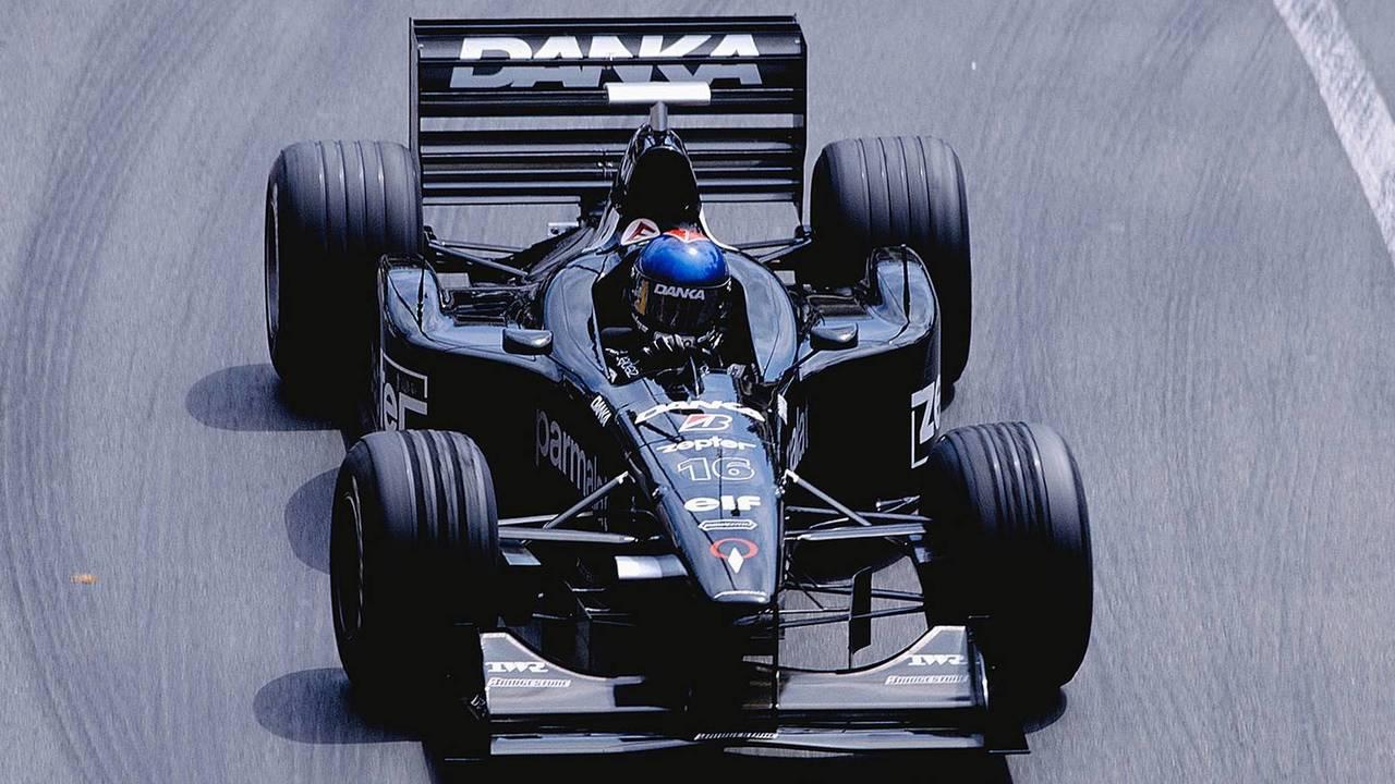 16. Pedro Diniz (98 Grandes Premios)