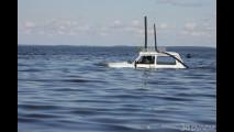 Lada Niva sottomarino