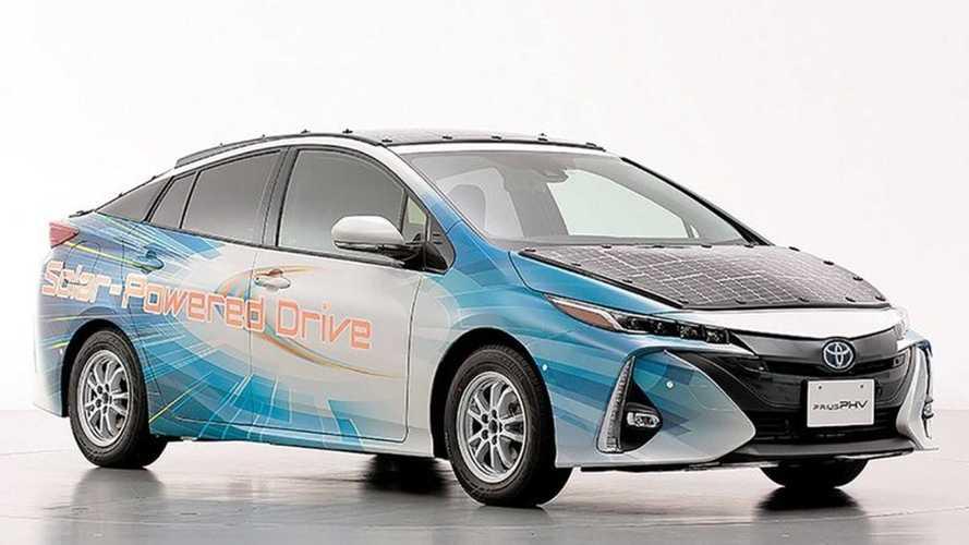 Toyota Prius testa carregamento solar no Japão