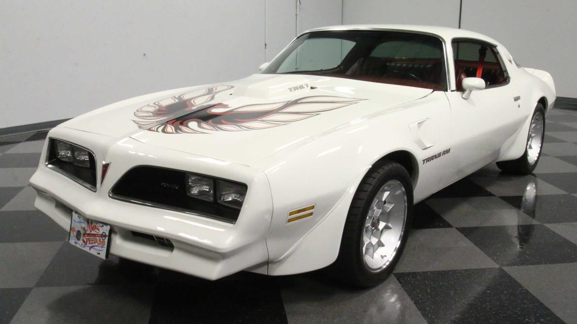 "[""1978 Pontiac Firebird Trans Am Is An Impressive Restomod""]"