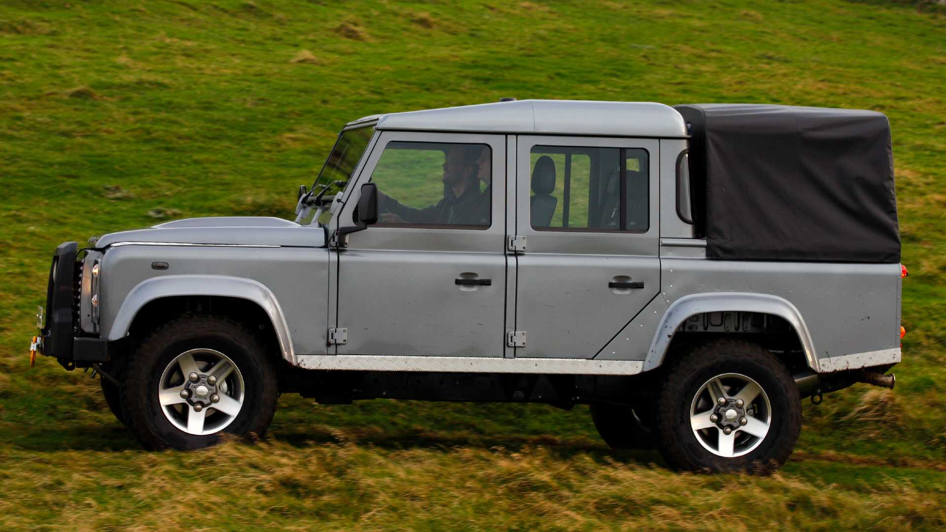 Land Rover Truck >> Land Rover Defender Truck Possible With Help From Another