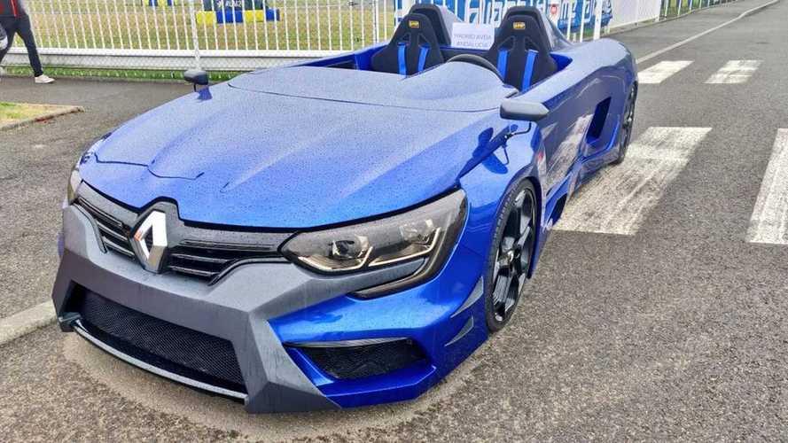 Quel est cet étrange speedster Renault ?