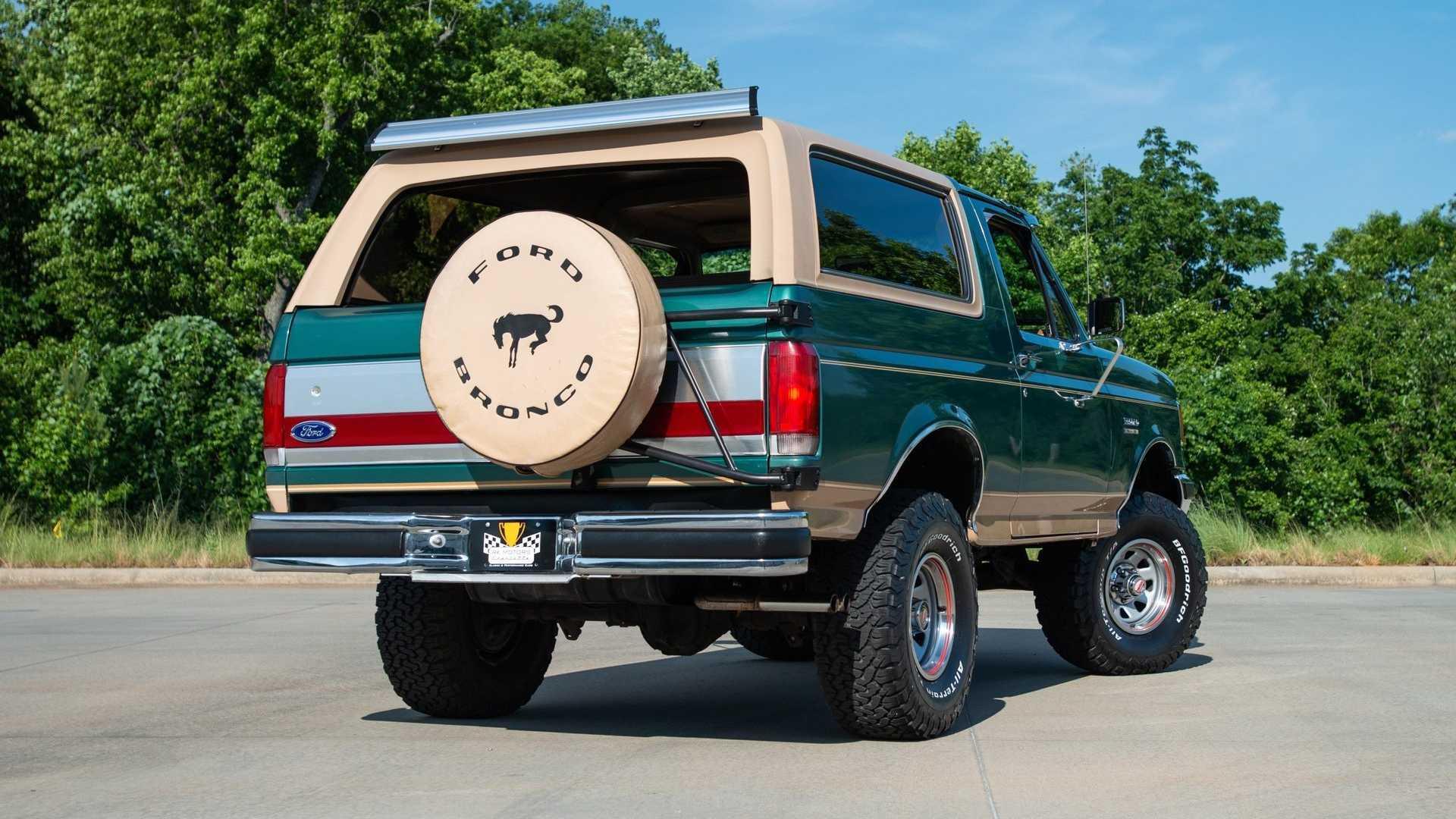 """[""""1988 Ford Bronco Eddie Bauer Edition""""]"""