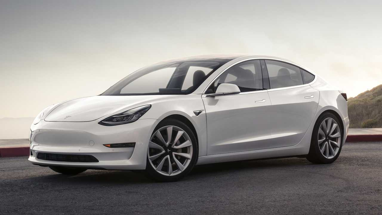 Tesla Model 3 Long-Range RWD