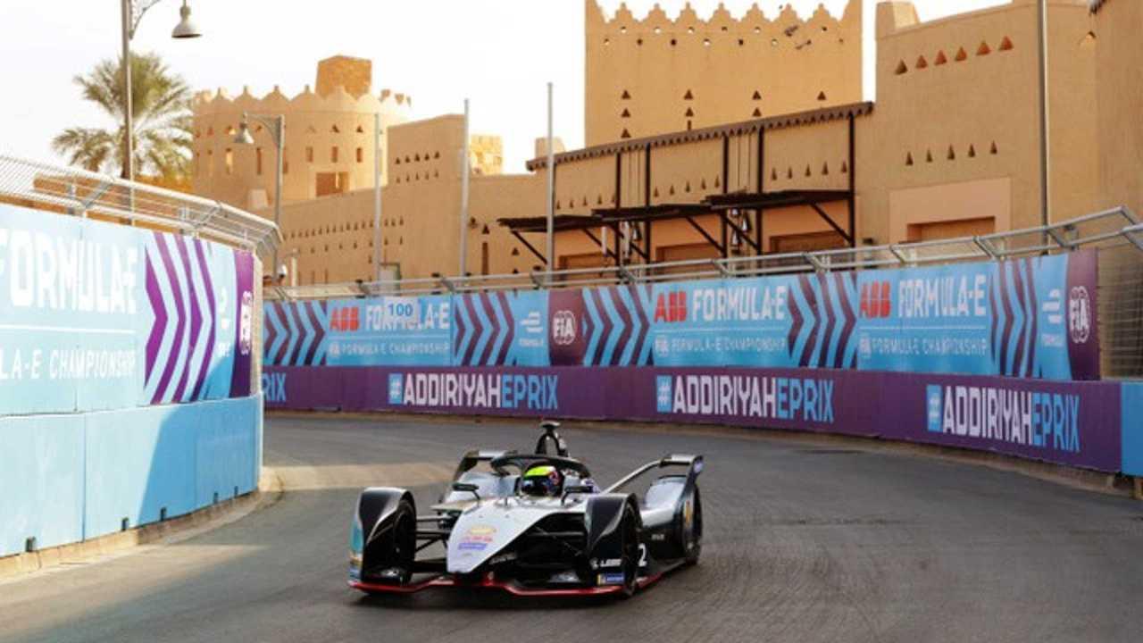 Motorsport Network y Triangle Media