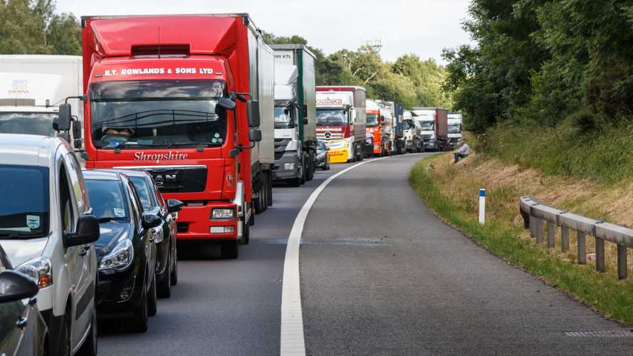 UK: Bumper-to-bumper bank holiday predicted with 17m trips planned