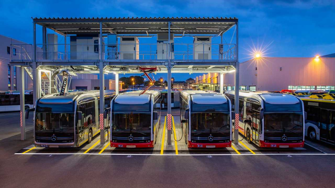 Central electric charging station for the Mercedes-Benz eCitaro at the Mannheim bus plant