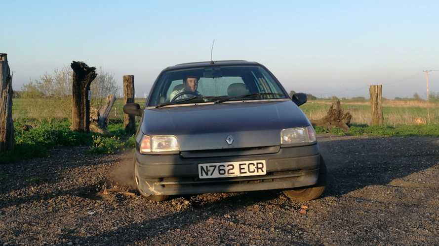 Why We Saved This Doomed 1995 Renault Clio Mk1