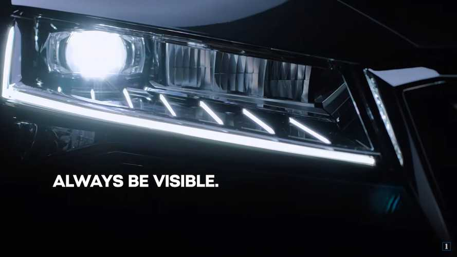 2020 Skoda Superb Teaser Shows Full-LED Matrix Headlights