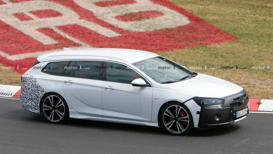 New Vauxhall Insignia Sports Tourer spied wearing little camouflage