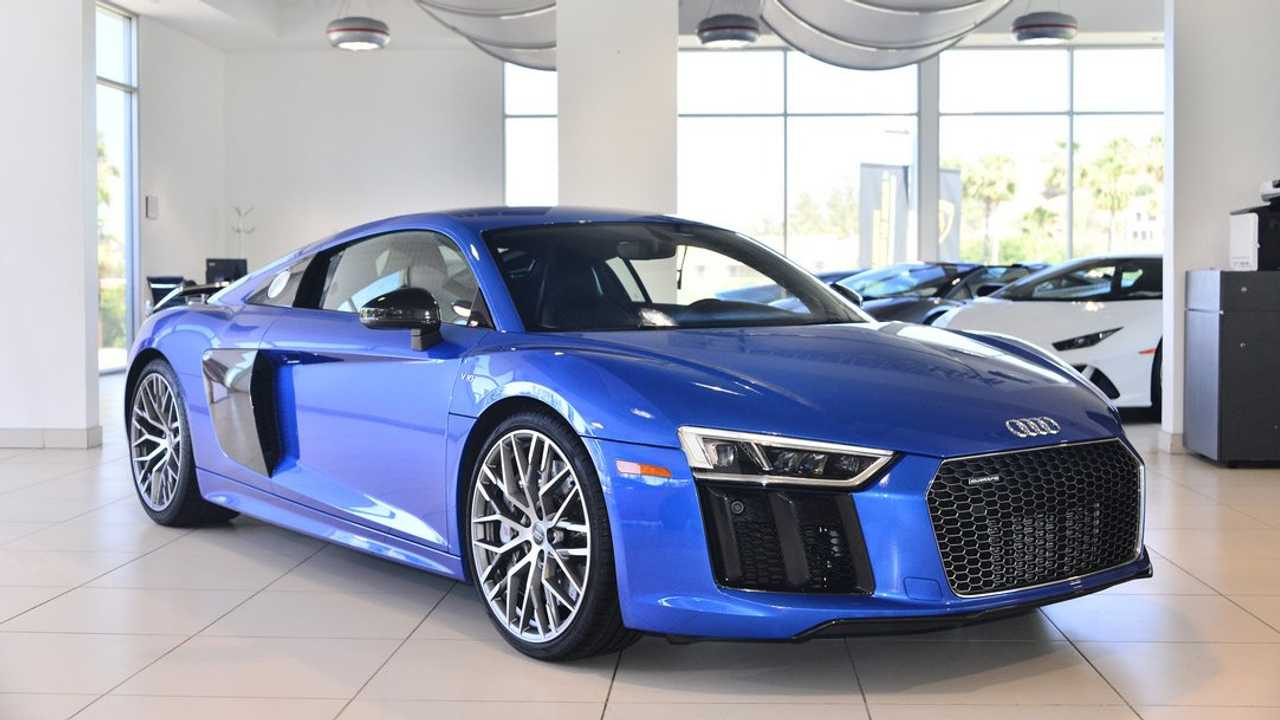 Immaculate 2017 Audi R8 Will Clear Up Your Blues