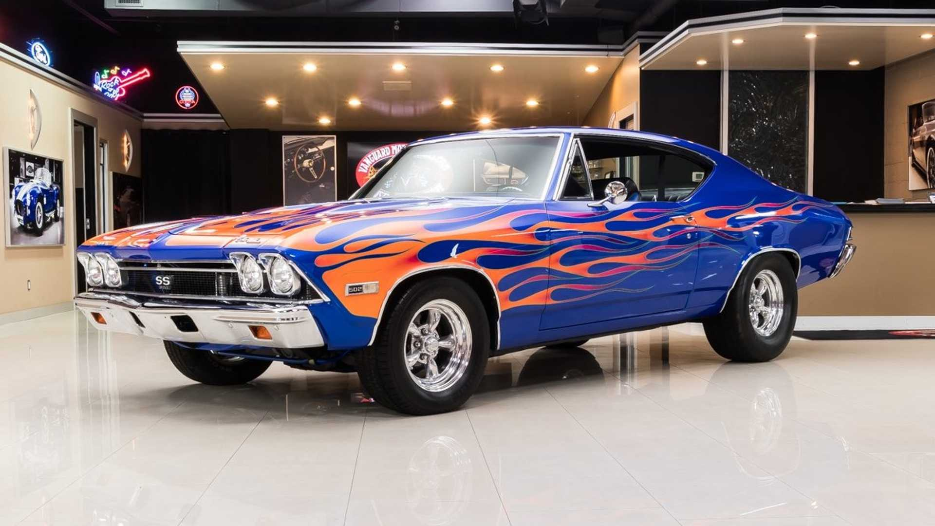 "[""Flaming Hot Blue Pearl 1968 Chevrolet Chevelle Restomod""]"