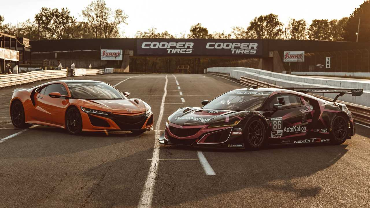 watch how the honda nsx stands up to its gt3 sibling. Black Bedroom Furniture Sets. Home Design Ideas