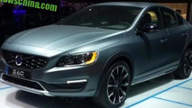 Volvo S60 Cross Country spotted in Detroit