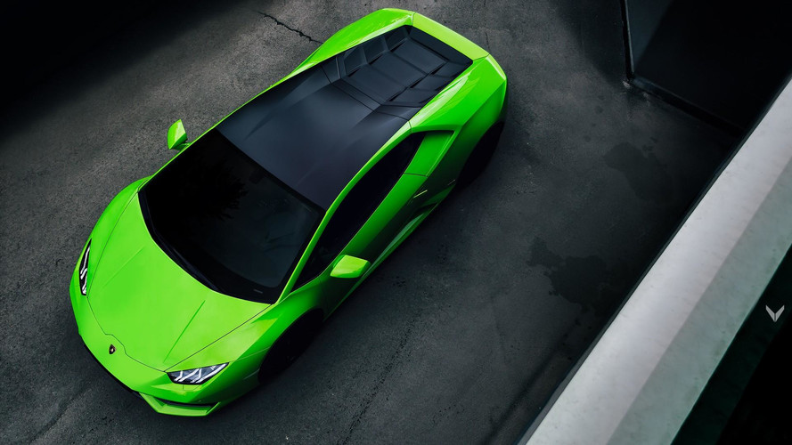 Vilner Verde Mantis Gives Lambo Huracan Insect-Inspired Makeover