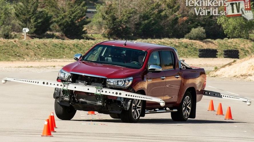 """Toyota Hilux refaz """"Teste do Alce"""" com ajustes no controle de estabilidade"""