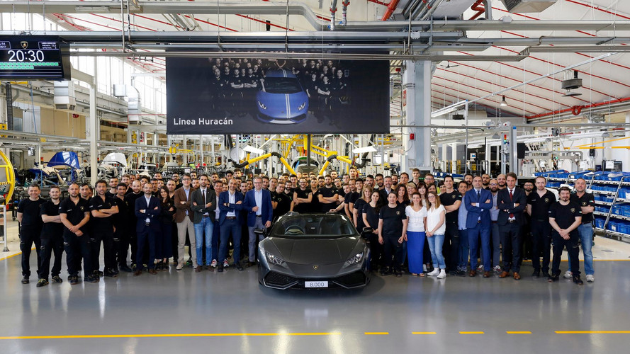Lamborghini Celebrates Milestone Of 8,000 Huracáns Off The Line