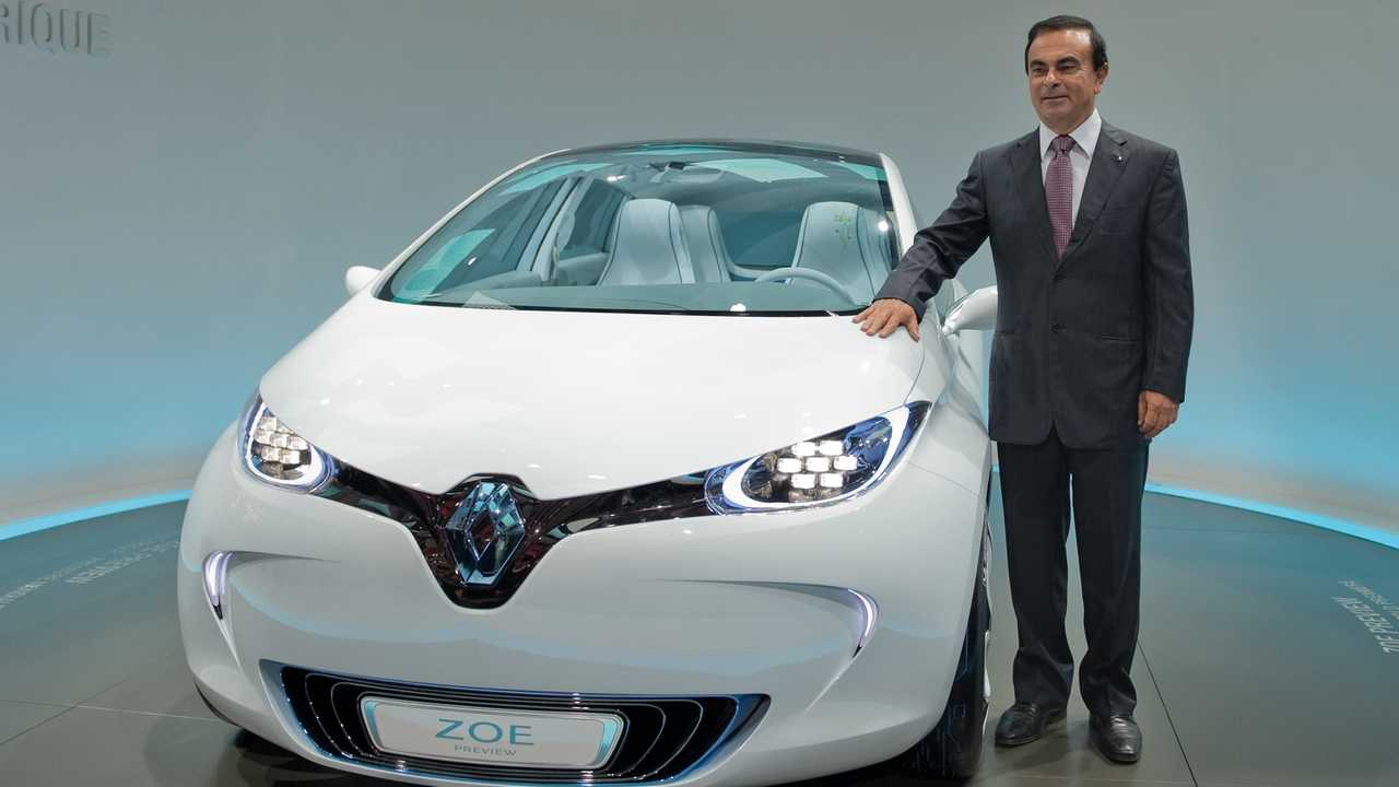 Renault Nissan CEO Carlos Ghosn with Renault Zoe concept in Paris