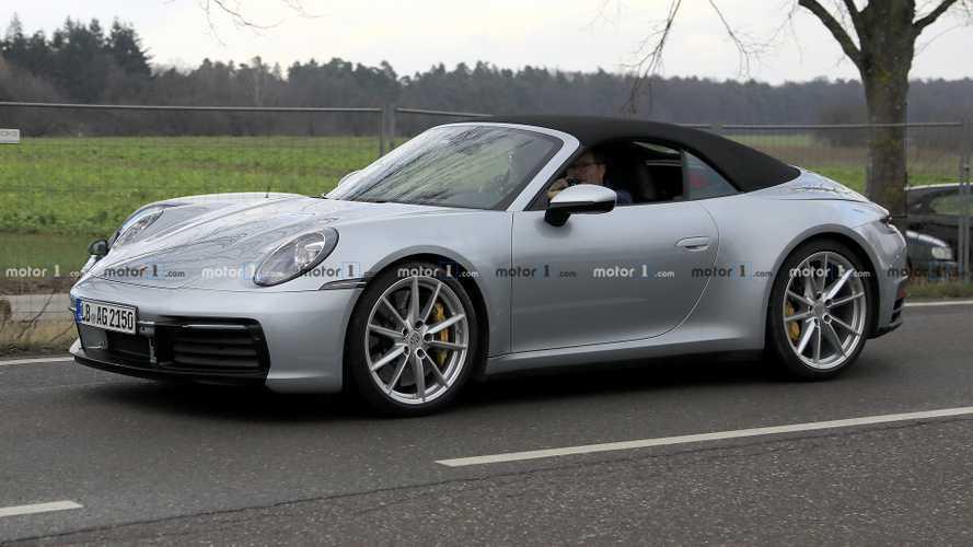 Yeni Porsche 911 Cabrio neredeyse kamuflajsız yakalandı