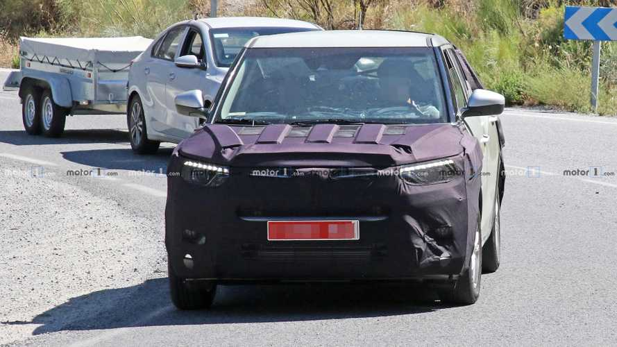 Ssangyong Tivoli Refresh Spy Shots