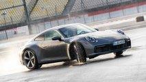 04 Der Carrera 4S kann jetzt länger driften