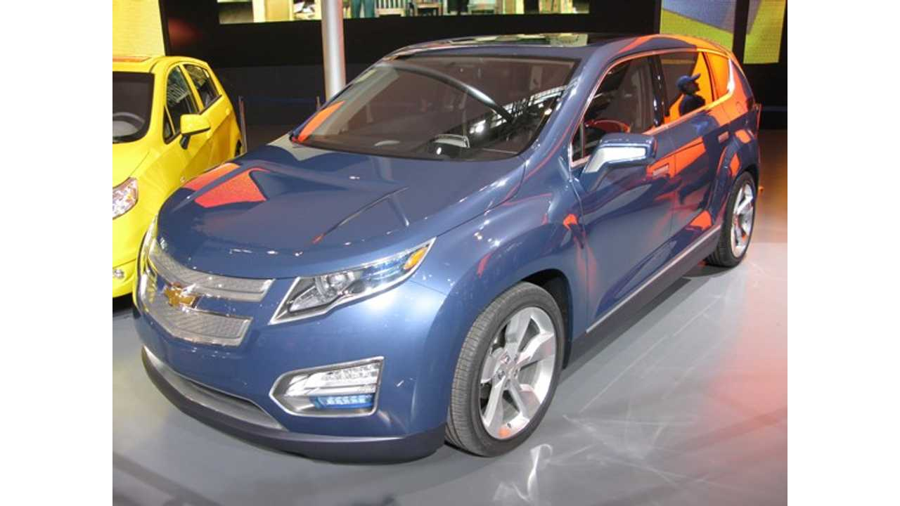 Volt Crossover May Debut in 2015