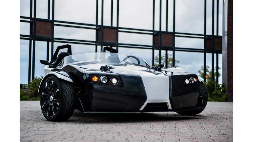 Video: Three-Wheel Epic TORQ Roadster is a Blast to Drive