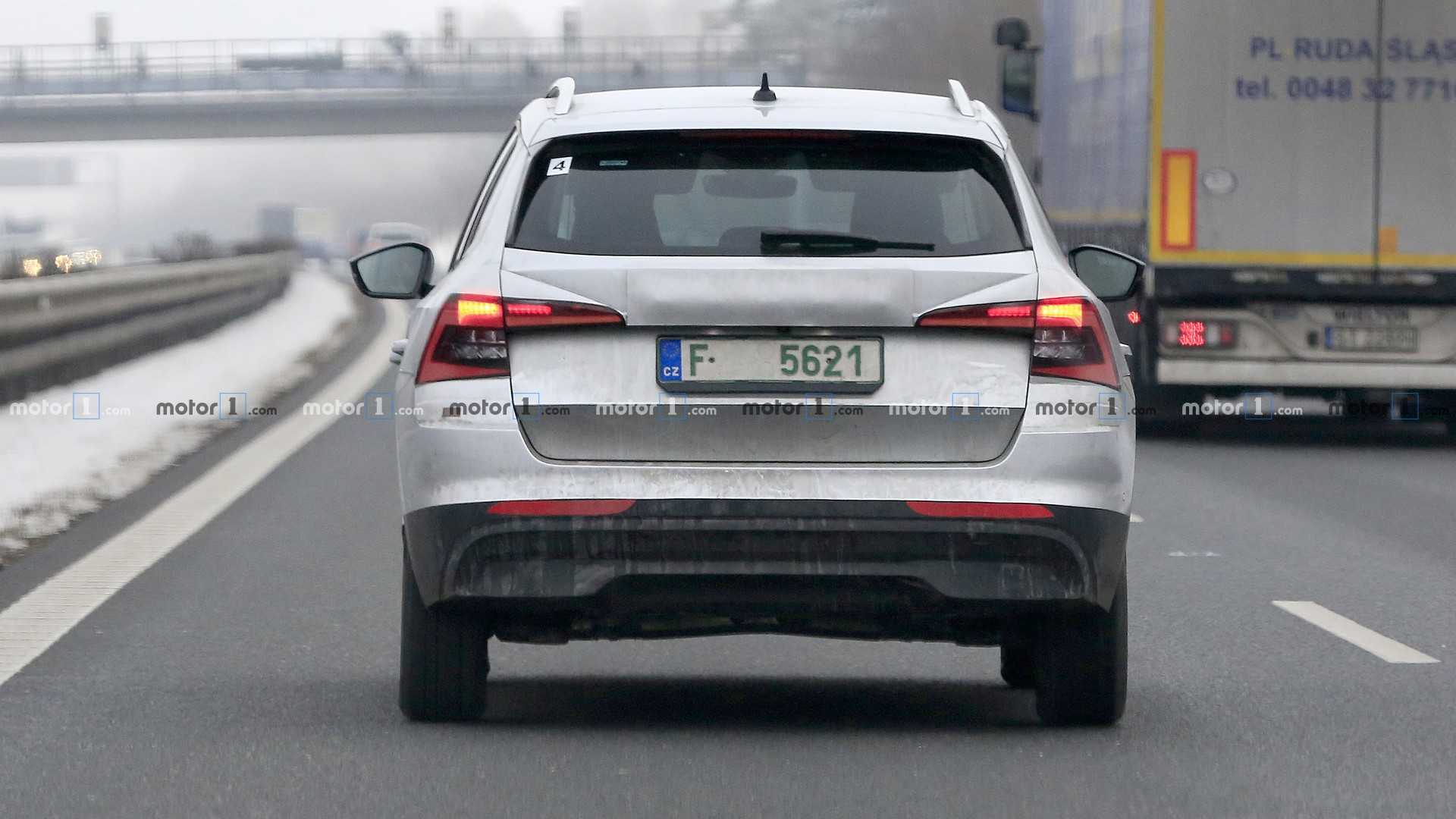 euro-spec-skoda-kamiq-spy-photo.jpg
