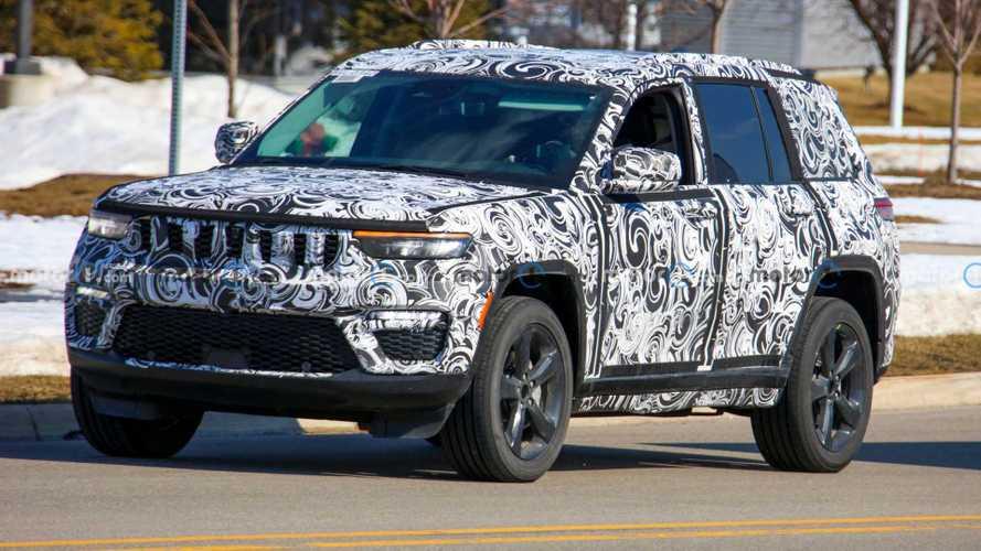 Nuova Jeep Grand Cherokee, le foto spia della versione a 5 posti