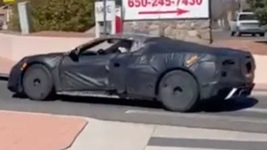 Chevrolet Corvette Z06 C8 spied testing on video in sports car caravan