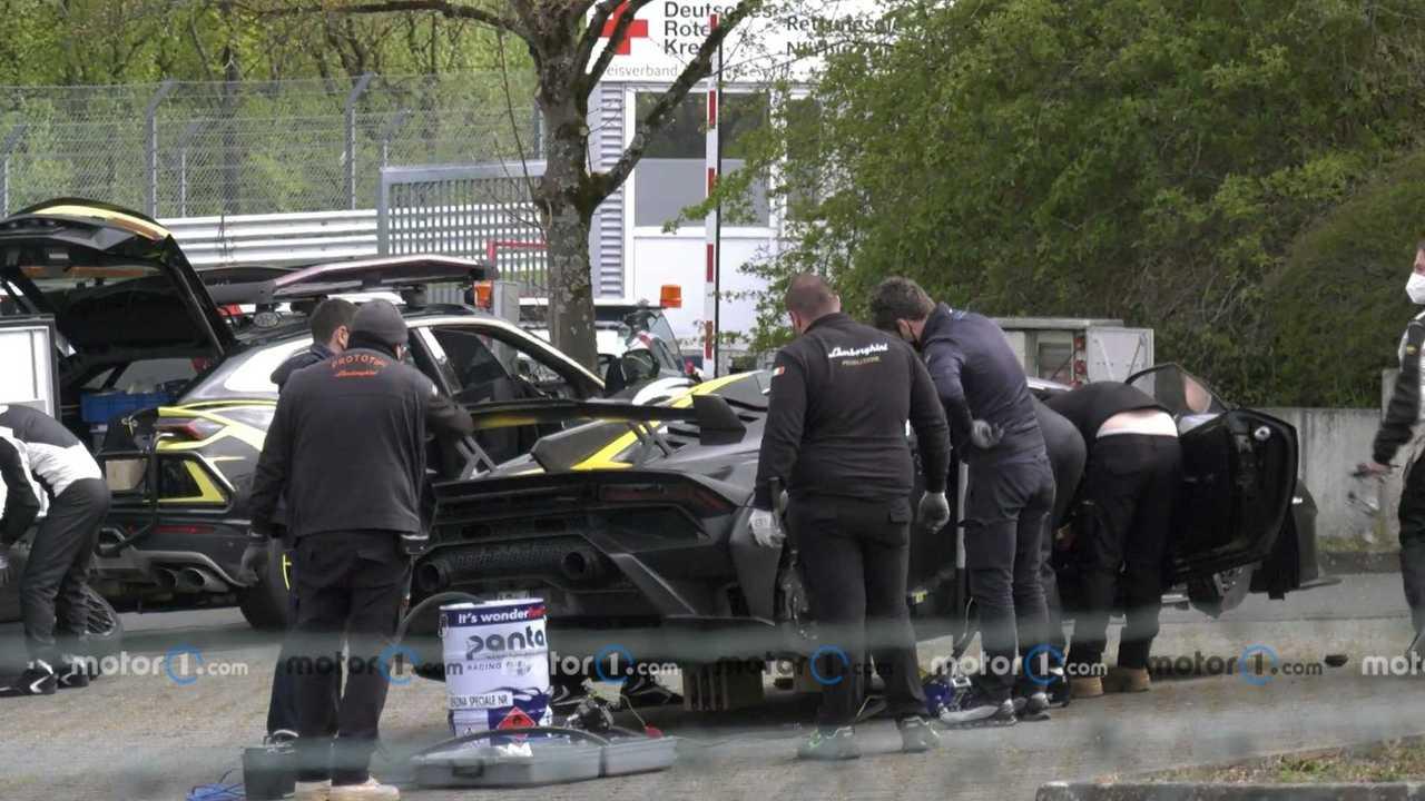 Lamborghini Huracan STO, le foto spia del record al Nurburgring