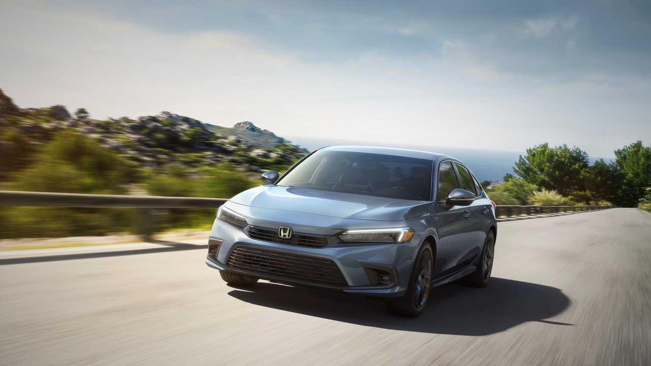 Yeni jenerasyon Honda Civic Sedan'ın resmi basın fotoğrafı.