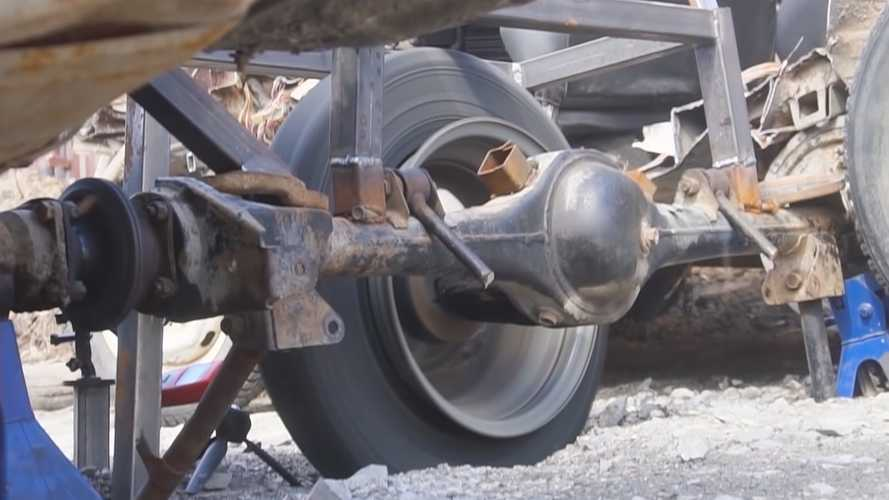 Snow Tire Spinning At 385 MPH Will Stretch Your Imagination