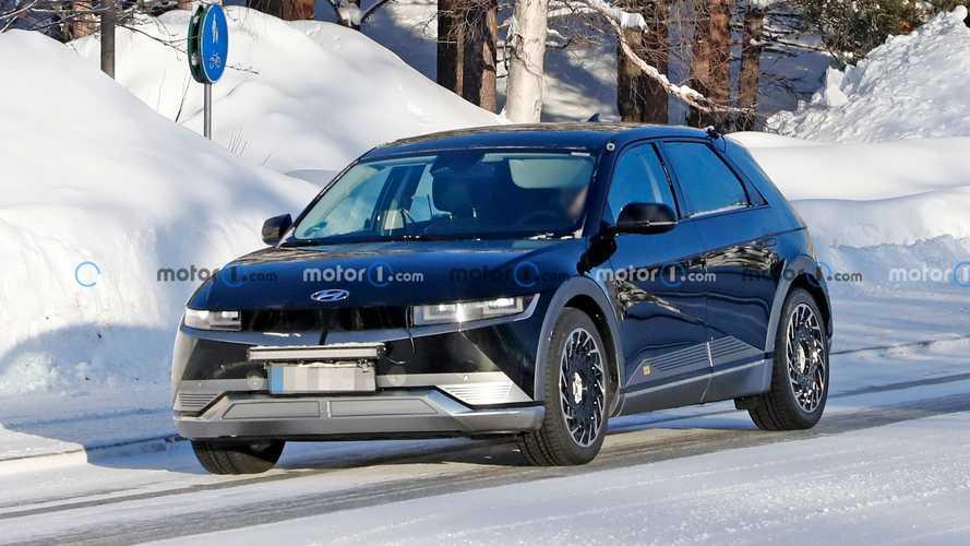 Hyundai Ioniq 5 hızlı şarj istasyonunda görüldü