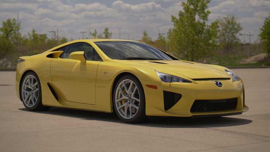 Un Lexus LFA, con 116 km, se subasta por casi 600.000 euros