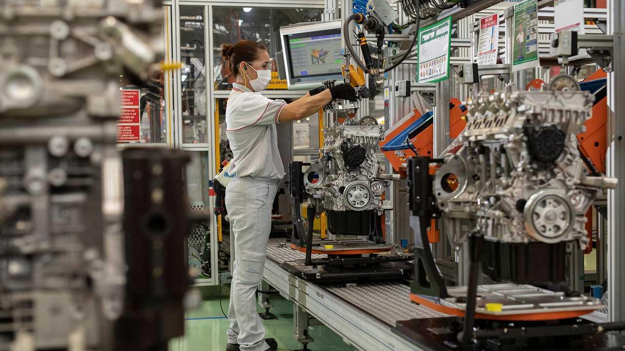 Fiat - Fábrica de motores turbo em Betim (MG)