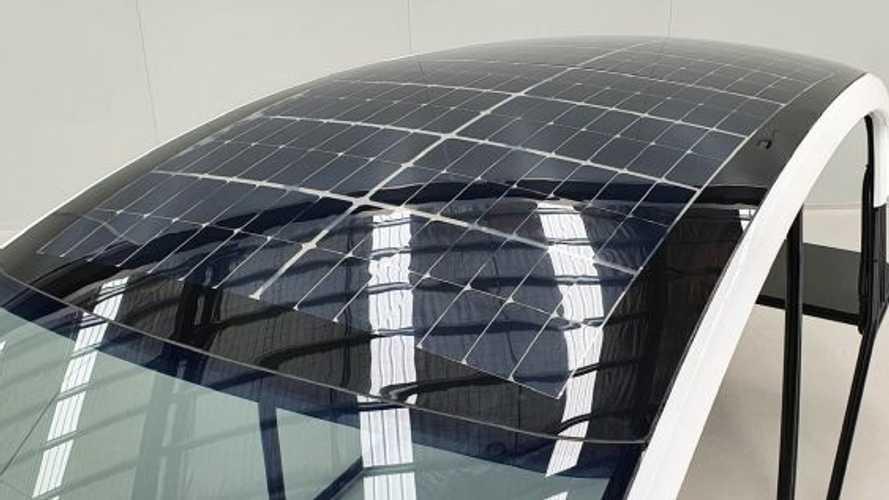 Dal Giappone i pannelli solari flessibili perfetti per l'auto elettrica