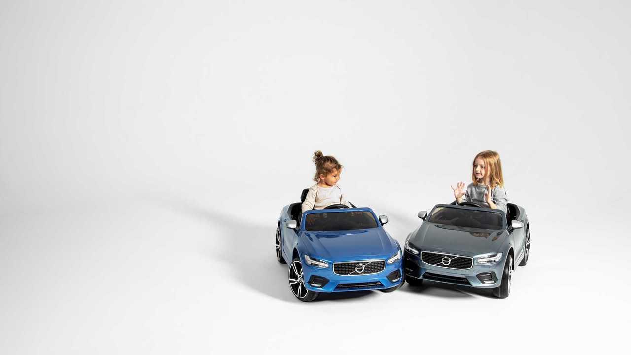 1 апреля Volvo отправит в декрет сотрудников обоих полов