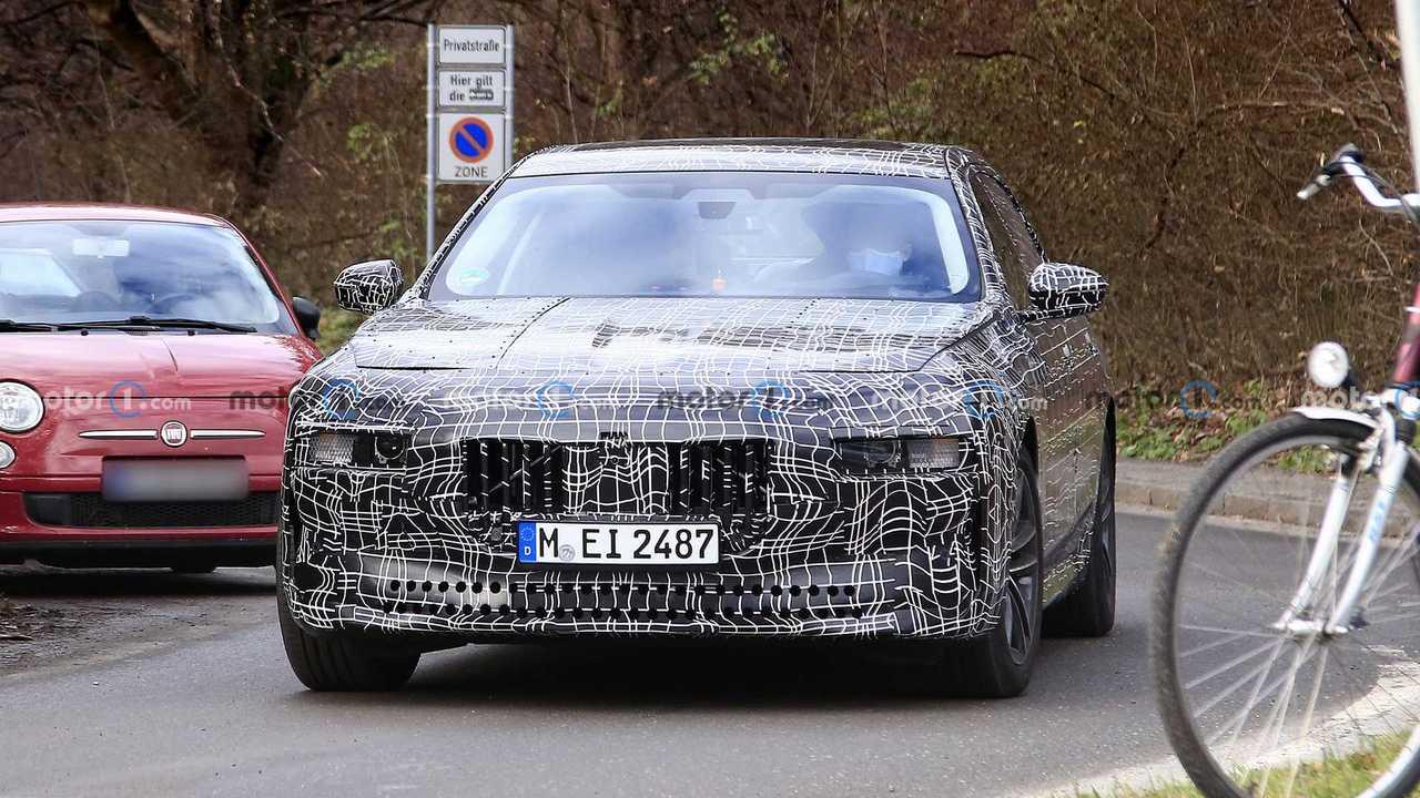 Шпионское фото новой BMW 7-й серии