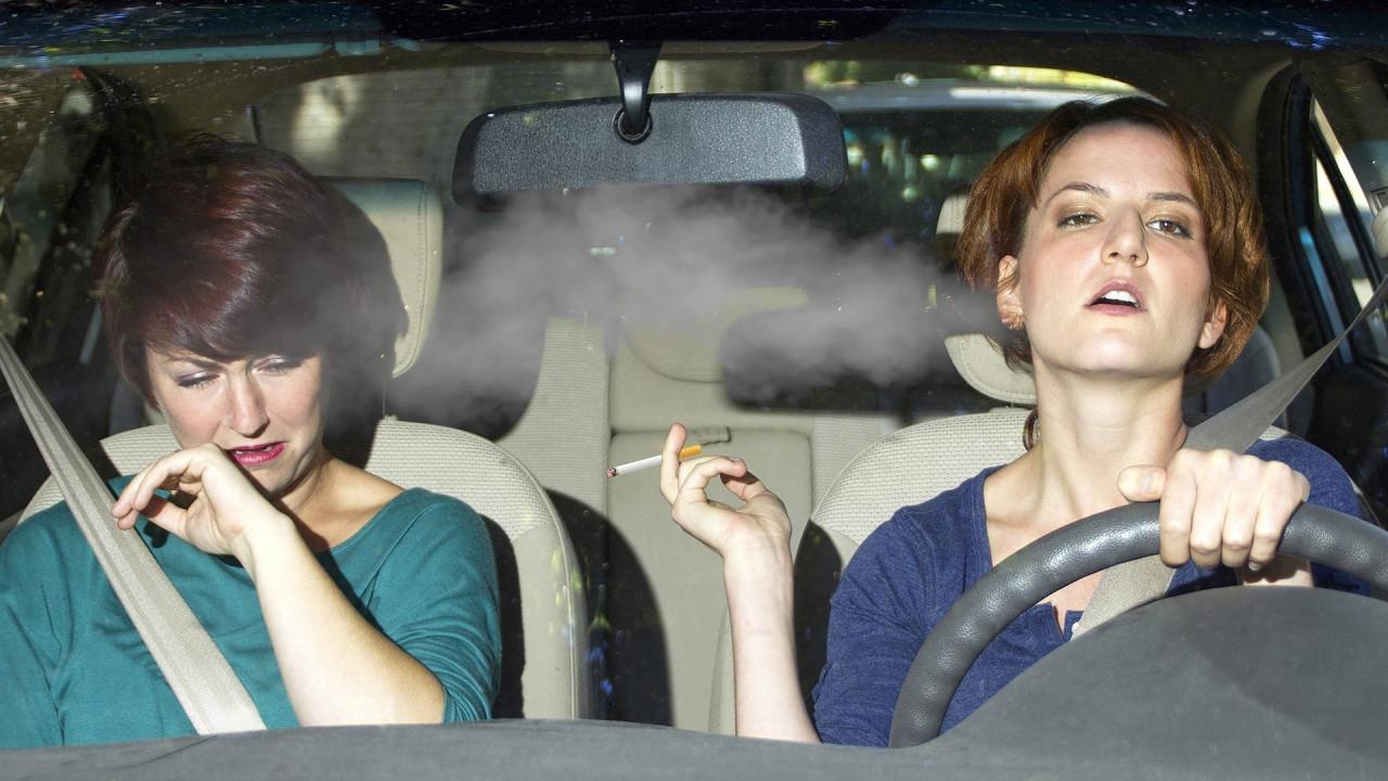 [Copertina] - Fumo in auto? Il valore dell'usato crolla